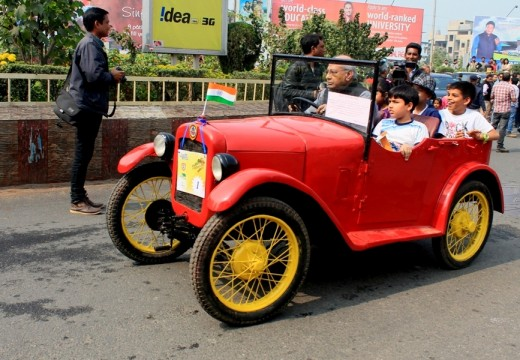 GLIMPSE OF VINTAGE CAR RALLY 2015